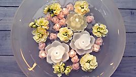 Свечи-цветы в воде